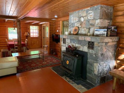 Sunset Bay Retreat: Log Cabin on Lake Vermilion