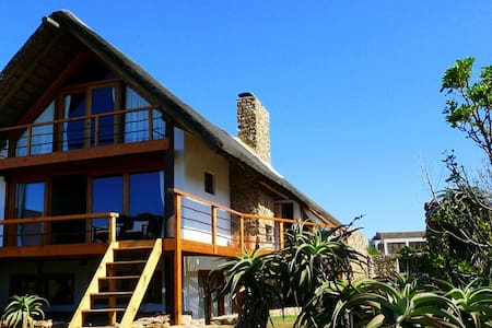 Dreamland Beachfront Main House - Jeffreys Bay