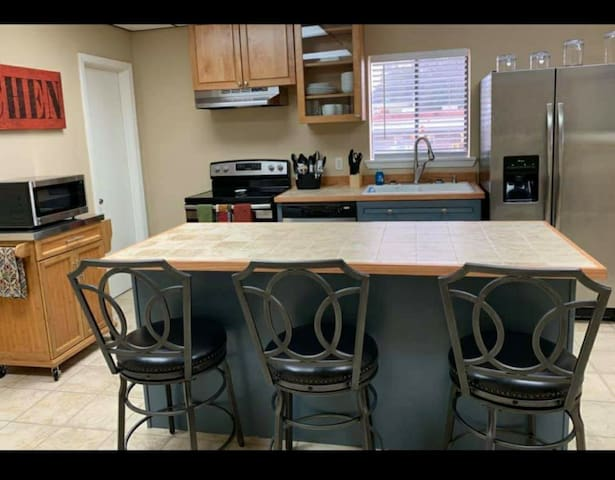 Vicksburg,  Ms, 2 bed 2 1/2 bath 2200 sqft apt