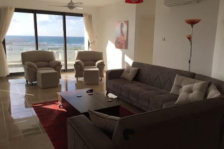 5th Floor Apartment with Mountain and Sea Views - Gaziveren - Квартира
