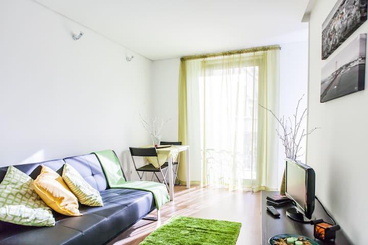 Lisbon Windmill Apartment (green)