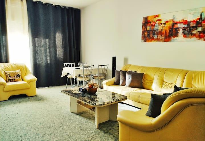 Cactussa Apartment- big and uniquely designed Apt