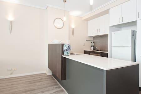 Modern Apartment - Portside Precinct - Lejlighed