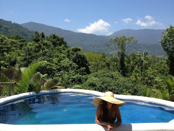 Casa de Hóspedes na montanha com piscina privativa