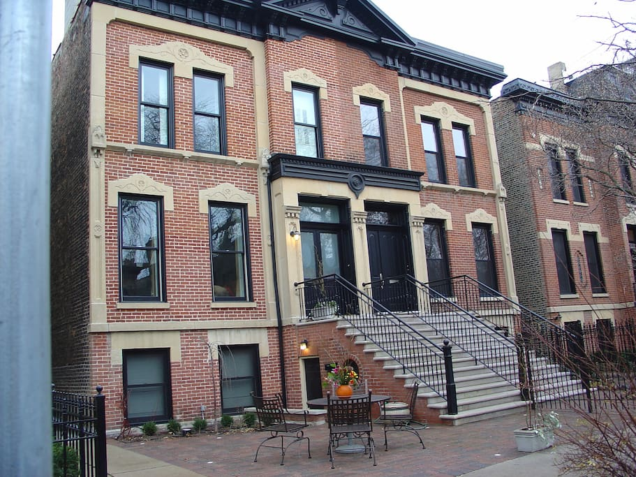 New Apartment In Exclusive Lincoln Park Guest Suites For Rent In Chicago Illinois United States