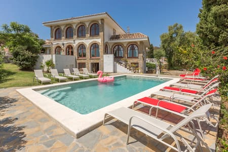Mijas Castle: 750m2, beach, pool, privacy, luxury
