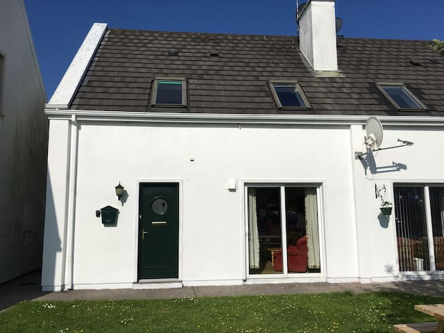 Holiday Cottage by Beautify Sandy Beach - Cork - House