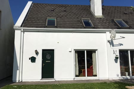 Holiday Cottage by Beautify Sandy Beach - Cork