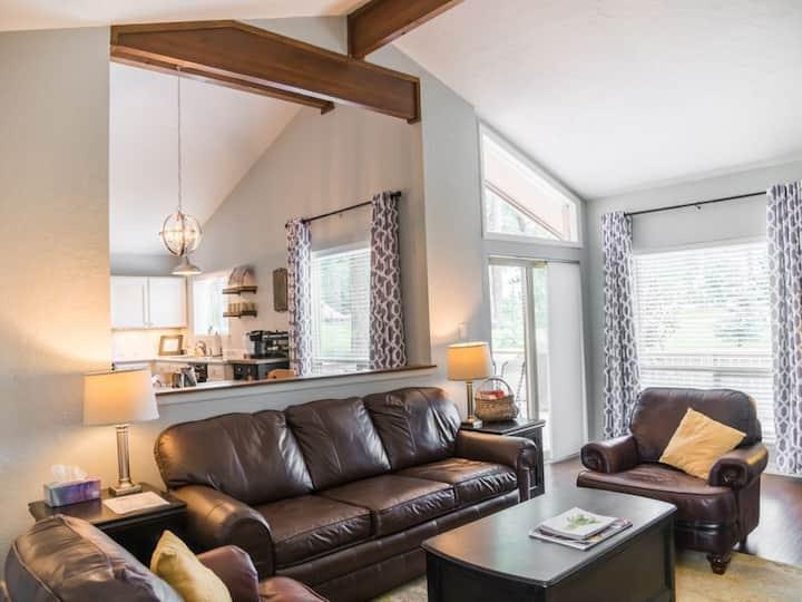 Spacious Modern Farmhouse Style-Prime Area w/ A/C!