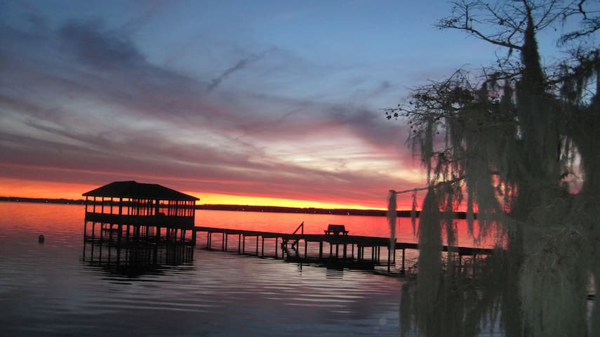 Weaver's Landing - Lake Waccamaw - Bed & Breakfast
