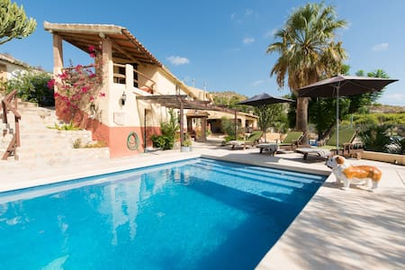 Stunning Home set in 2.000 m2 Private Parkland - Villajoyosa