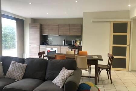 Appartement indépendant en maison