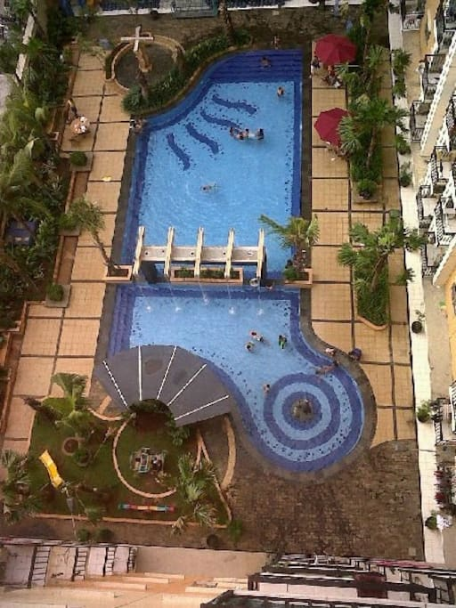 swimmingpool adults + children - garden - children's playgarden - VIEW FROM THE BALCONY
