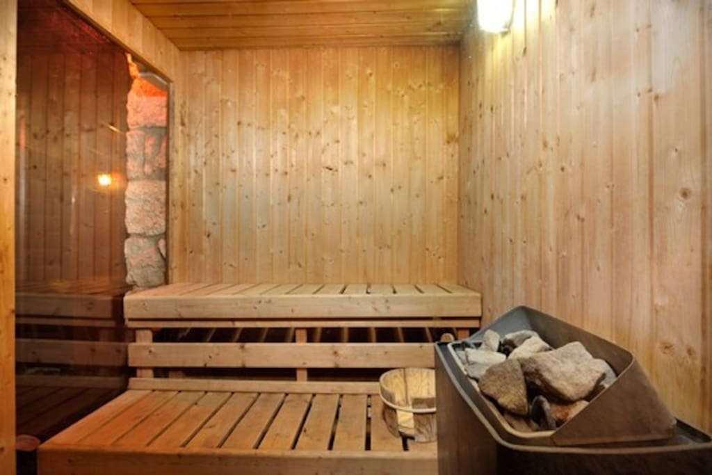 Sauna in the bar area