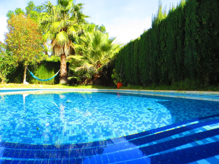 Large villa with pool near valencia villas for rent in l for Villas valencia