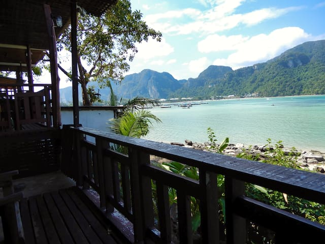 Seafront Bungalow on Party Phi Phi!