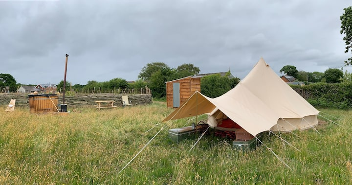 Lightfoot's Farm Orchard Bell Tent and Breakfast