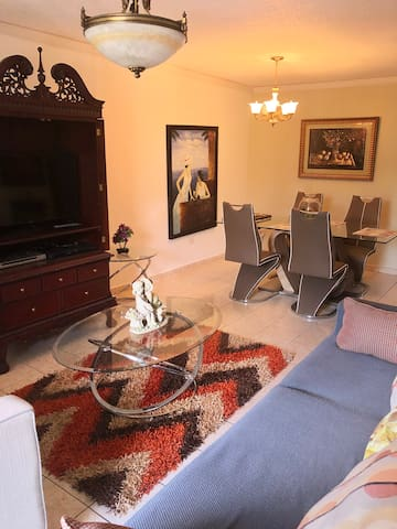 NEW! AMAZING EXPERIENCE 9 MINUTES FROM THE BEACH