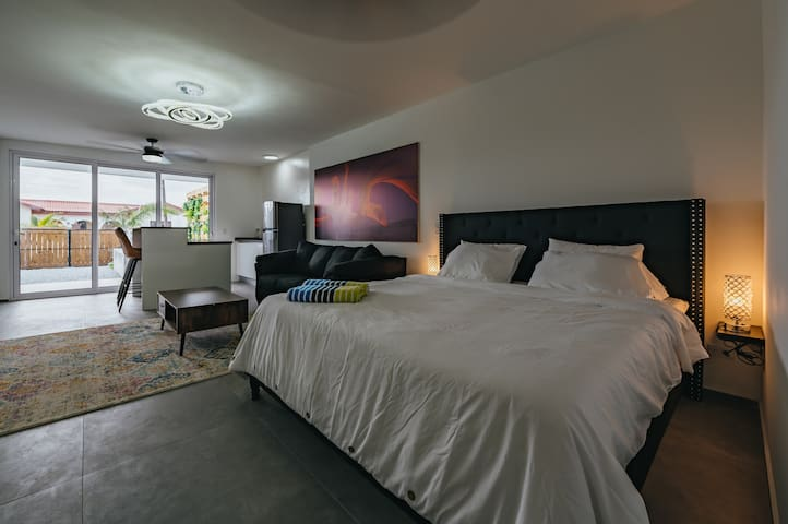 1200 count luxury sheets with 6 pillows on a memory foam mattress to give you a relaxing night sleep.