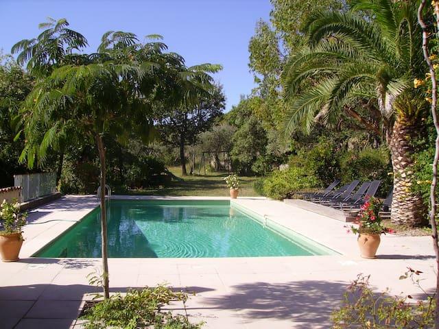 Le Jardin d'Axel, en Provence authentique. - Fayence - บ้าน