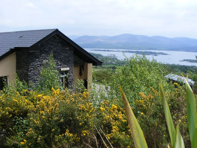 Charming Two Bedroom Cottage With Panoramic Views