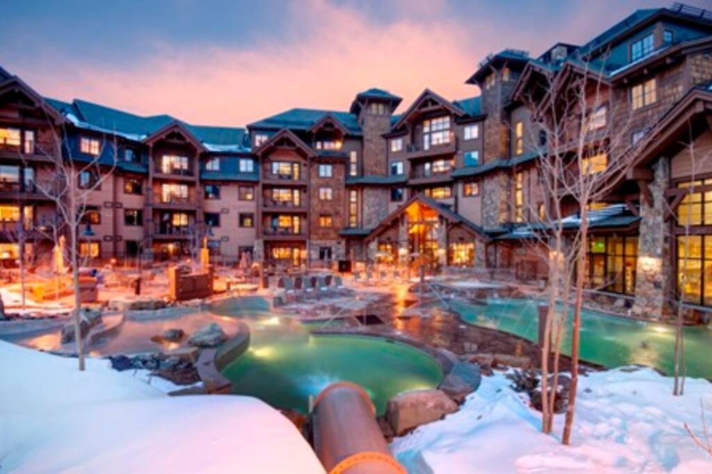 Grand Lodge Peak 7 Outdoor Swim, Hot Tub and Slide!