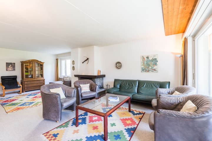 Big 3BR apartment right next to the valley station in Laax (Signina 4-8)