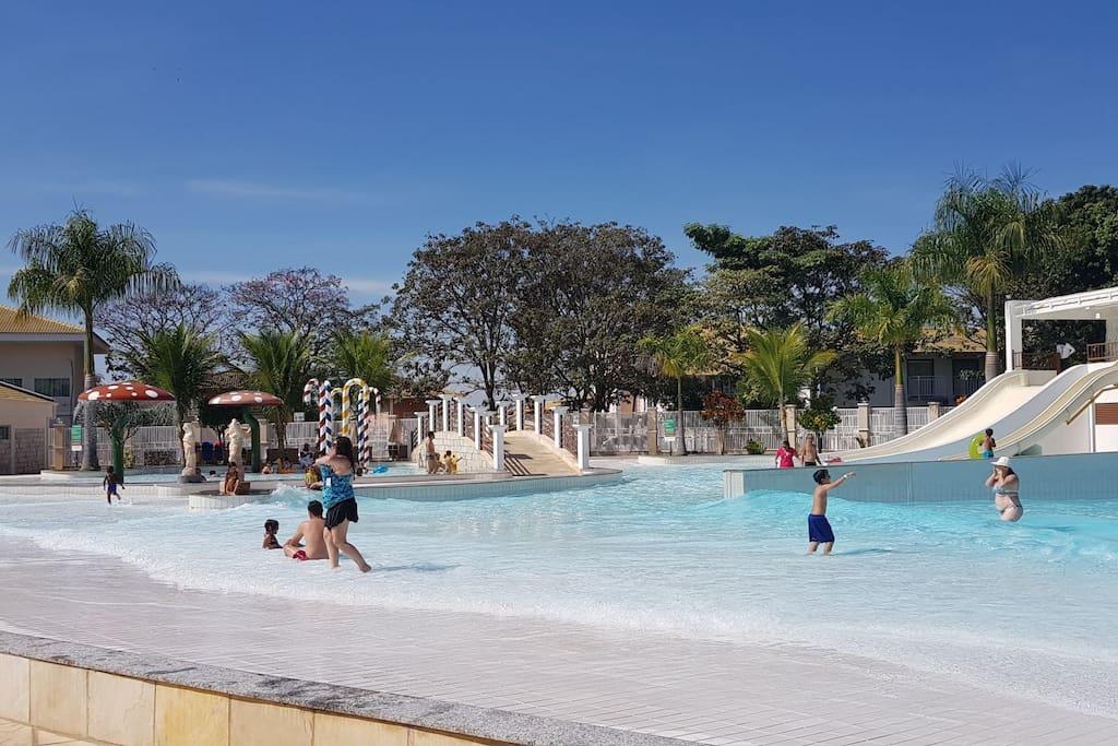 piscina de ondas