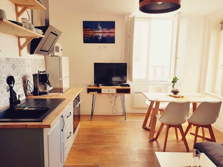INTRA-MUROS Charmant 30 m2 entièrement rénové