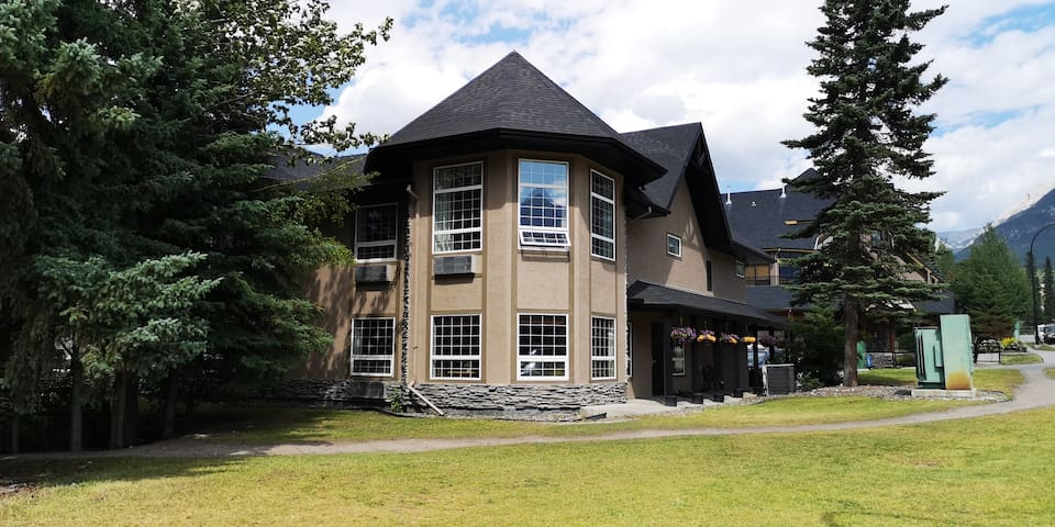 Mountain View Double Queen