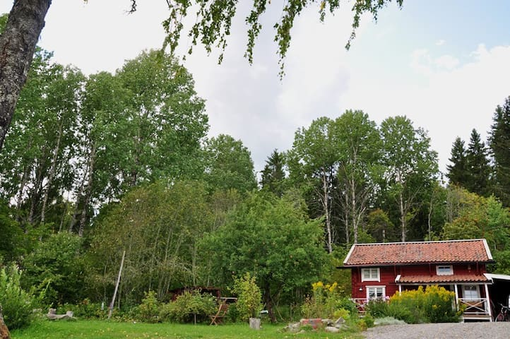 The Old Cottage - Edens Garden BnB - Sala - Cabaña