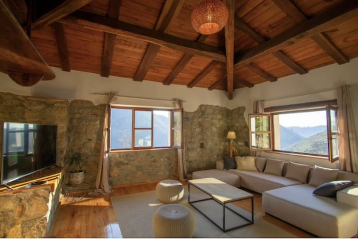 cangas de onis rural house with a view