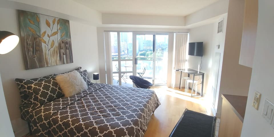 Bright&Cozy Unit@St Lawrence Market(Core Downtown)