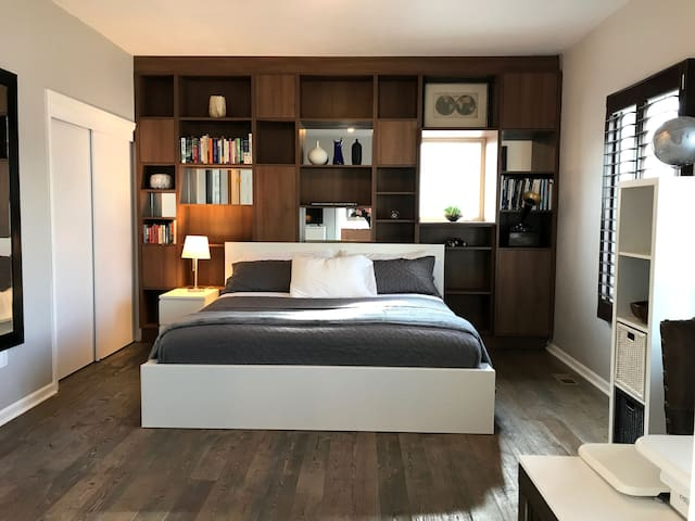 Deluxe Bedroom w/Private Bath in the Heart Denver