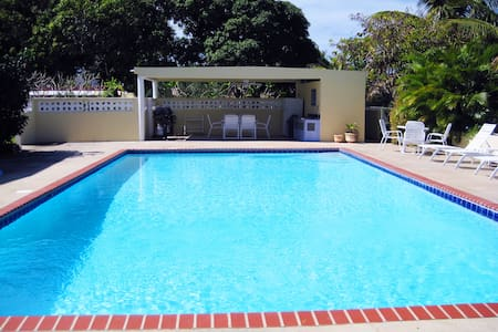 Casa Ladera 4-BR Villa-pool & beach - Vieques