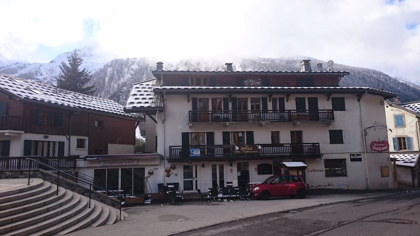 Apartment Bellevue - Grands Montets ski- sleeps 4 - Chamonix-Mont-Blanc - Appartamento