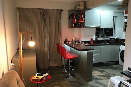 Apartamento simples e prático.