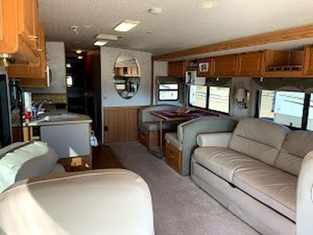 Arivaca Motor Home Suite