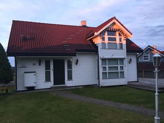 Flott loftstuen med egen badrom - Oslo - Casa