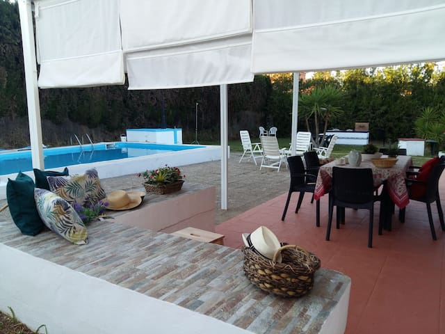 Chalet-piscina 6 pers Ideal para visitar Sevilla