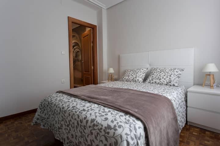 Apartamento con encanto y bien ubicado