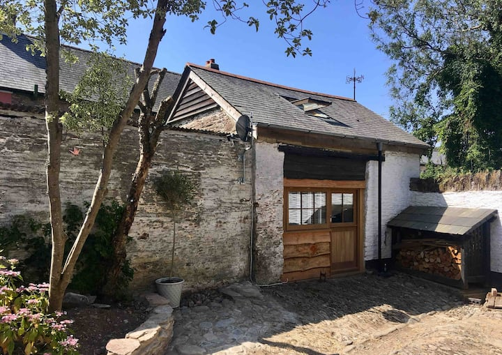 The Stables: Village centre barn conversion