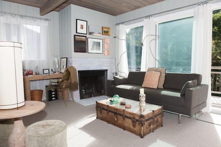 Cozy & Comfortable Sausalito Flat