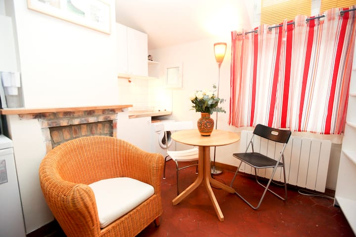Charming studio in the Marais - Paris - Leilighet