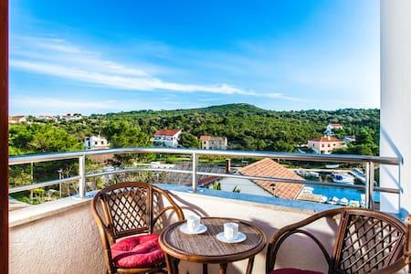 Apartments Mia,island Molat - Molat
