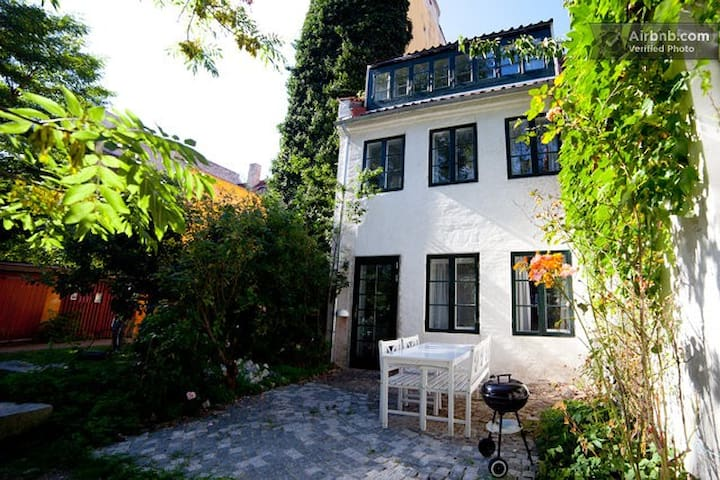 Luxury Historic Townhouse in Christiania - Kodaň - Dům