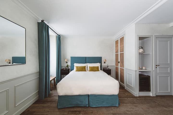 HOY Paris - YOGA Hotel — FRIENDLY for 4 @ Pigalle