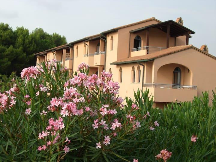 San Vincenzo villaggio, spiaggia privata