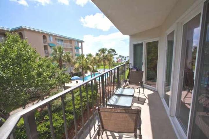Great Ocean View Condo on the Beach - St. Simons - Appartement