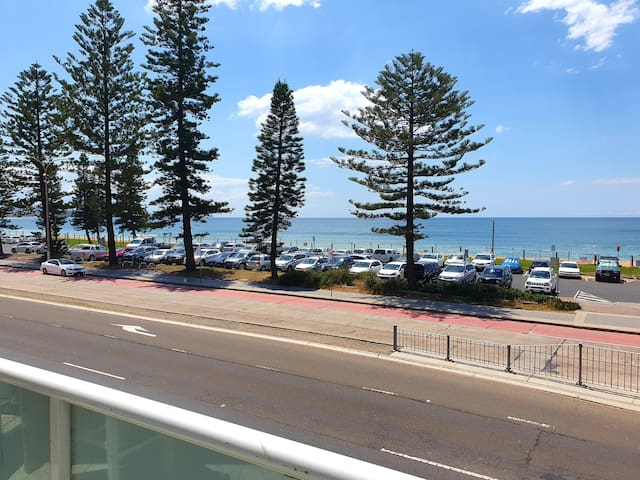 Value opposite Collaroy Beach!!